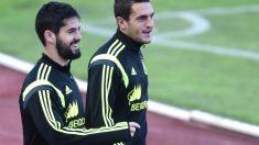 Isco y Koke, en un entrenamiento con la selección. (AFP)