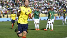 James Rodríguez celebra su tanto ante Bolivia. (AFP)