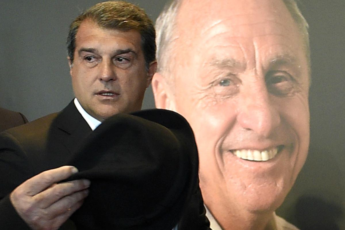 Laporta rendirá homenaje a Cruyff el sábado en el Camp Nou. (AFP)