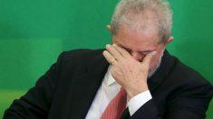 Lula durante su juramento como ministro de Estado en el palacio de Planalto. (Reuters)