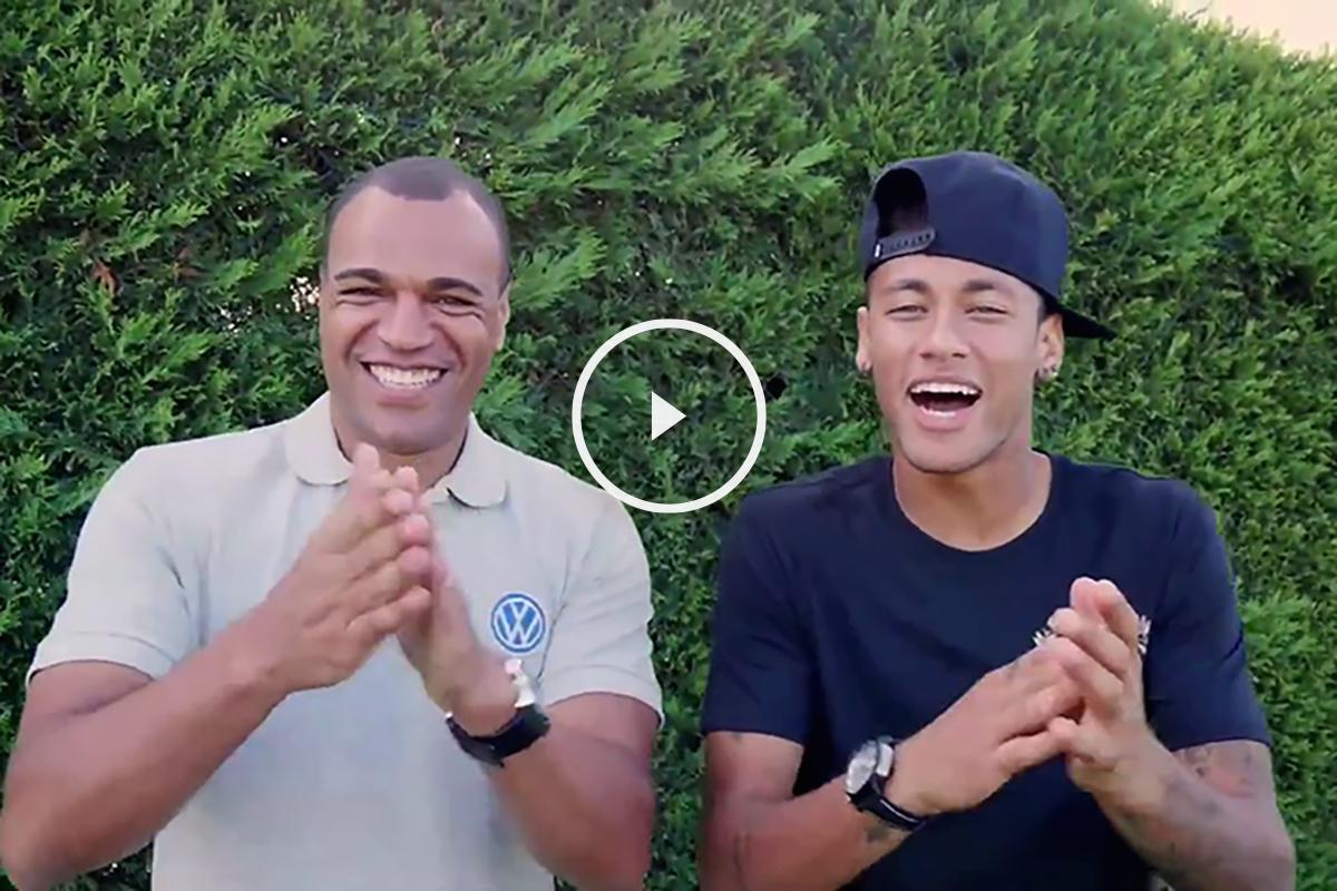 Neymar y Denilson se llevan más de una década de edad de diferencia, pero eso no importa para salir a divertirse.