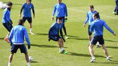 Los jugadores del Real Madrid se entrenaron en la previa al partido de Champions contra la Roma. (AFP)