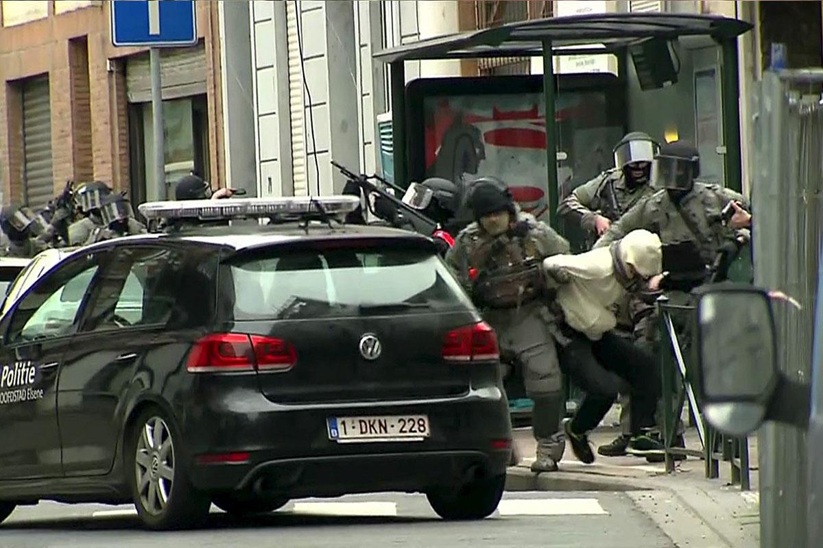 18 de marzo. Salah Abdeslam, el terrorista más buscado desde los atentados de París, es detenido en Bruselas. (Foto: Reuters)