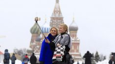 Selfi en la Plaza Roja de Moscú. (Foto: Getty)
