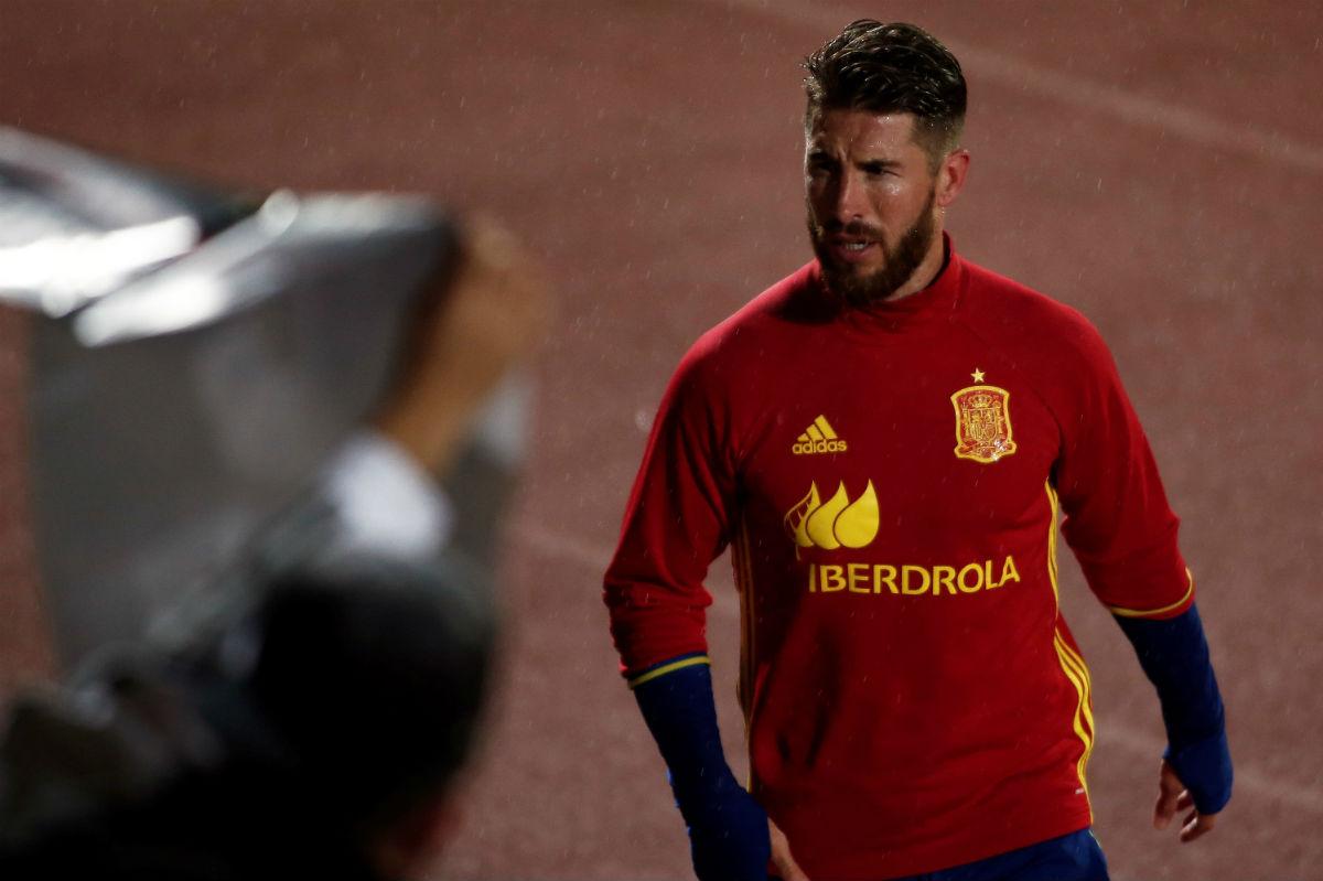 Sergio Ramos, en un entrenamiento de la Selección. (Getty)