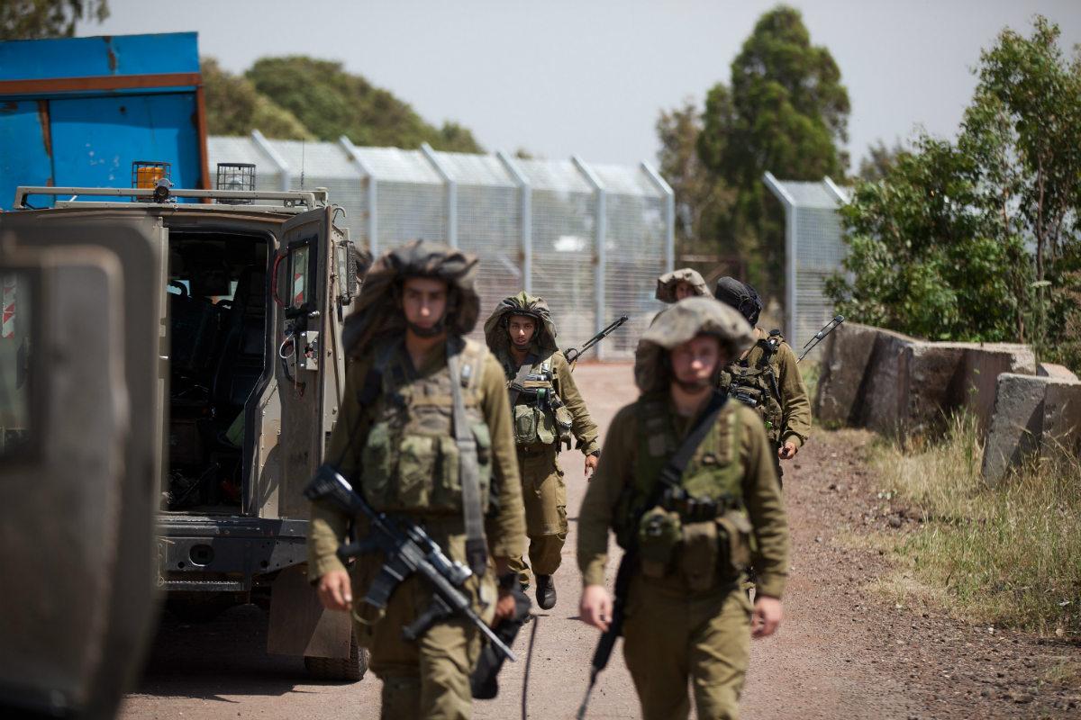 Tropas israelíes patrullan la frontera con Siria. (Getty)