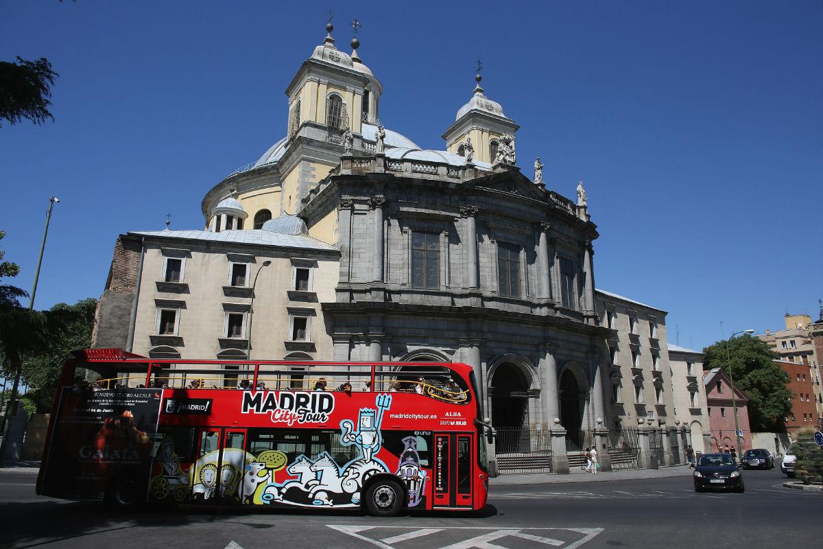 Competencia carga contra las restricciones legales al for Pisos turisticos madrid