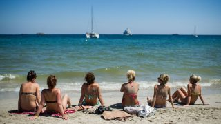 Turistas en una playa de Ibiza (Foto: GETTY).