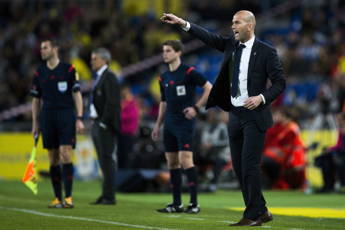 Zidane da instrucciones a sus jugadores en el partido ante Las Palmas. (Getty)