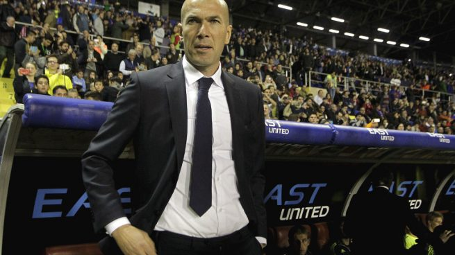 Zinedine-Zidane-Levante-Real-Madrid
