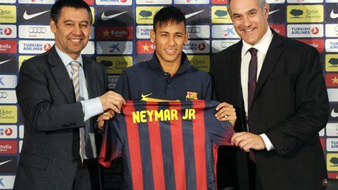 Zubizarreta con el futbolista que da nombre al caso por el que ha declarado ante el juez. (Foto: Agencia)