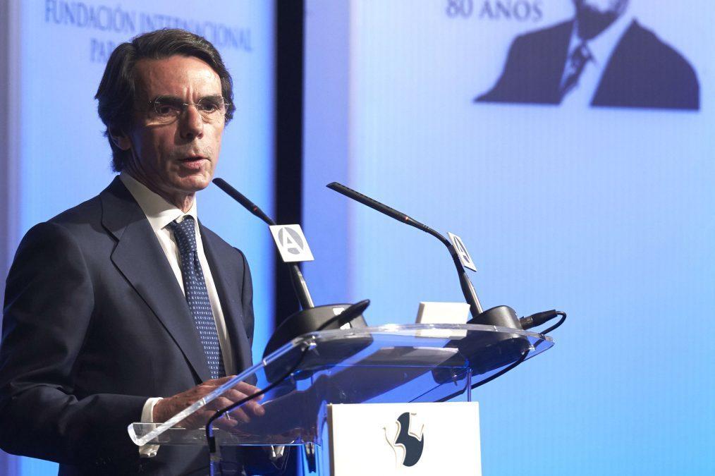 El ex presidente José María Aznar, en una comida con empresarios valencianos.