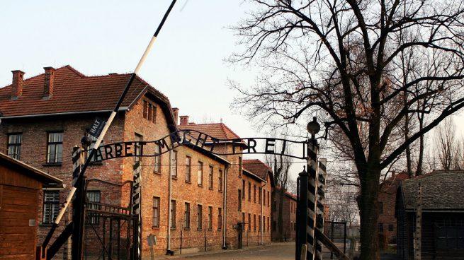 Un guardia de Auschwitz muere días antes de ser juzgado a la edad de 93 años