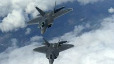 Imagen de dos aviones F22 Raptors de EEUU.