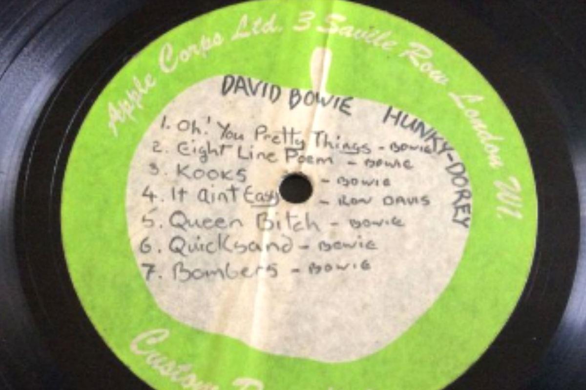 Imagen del vinilo que se subasta perteneciente al cantante David Bowie.