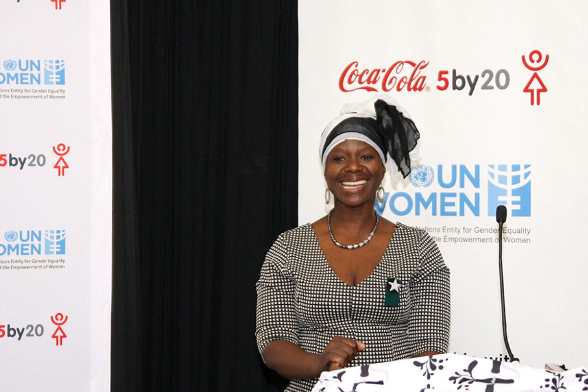 Imagen de una de las mujeres a las que Coca- Cola ha ayudado.