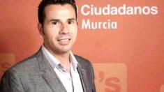 Imagen del político Mario Gómez, destituido de su cargo orgánico en Murcia. (Twitter)