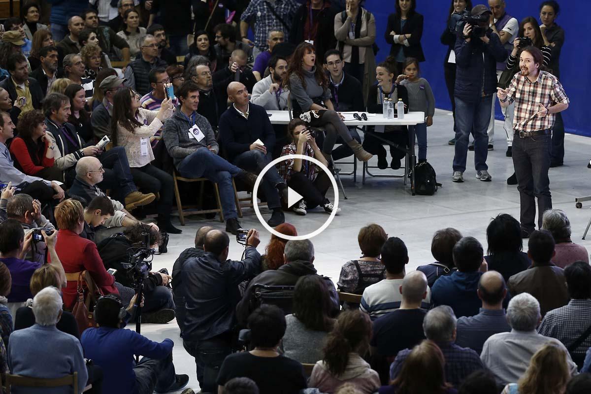 Pablo Iglesias, durante el acto en Navarra en el que ha defendido a Otegi como un hombre de paz (Foto: EFE)
