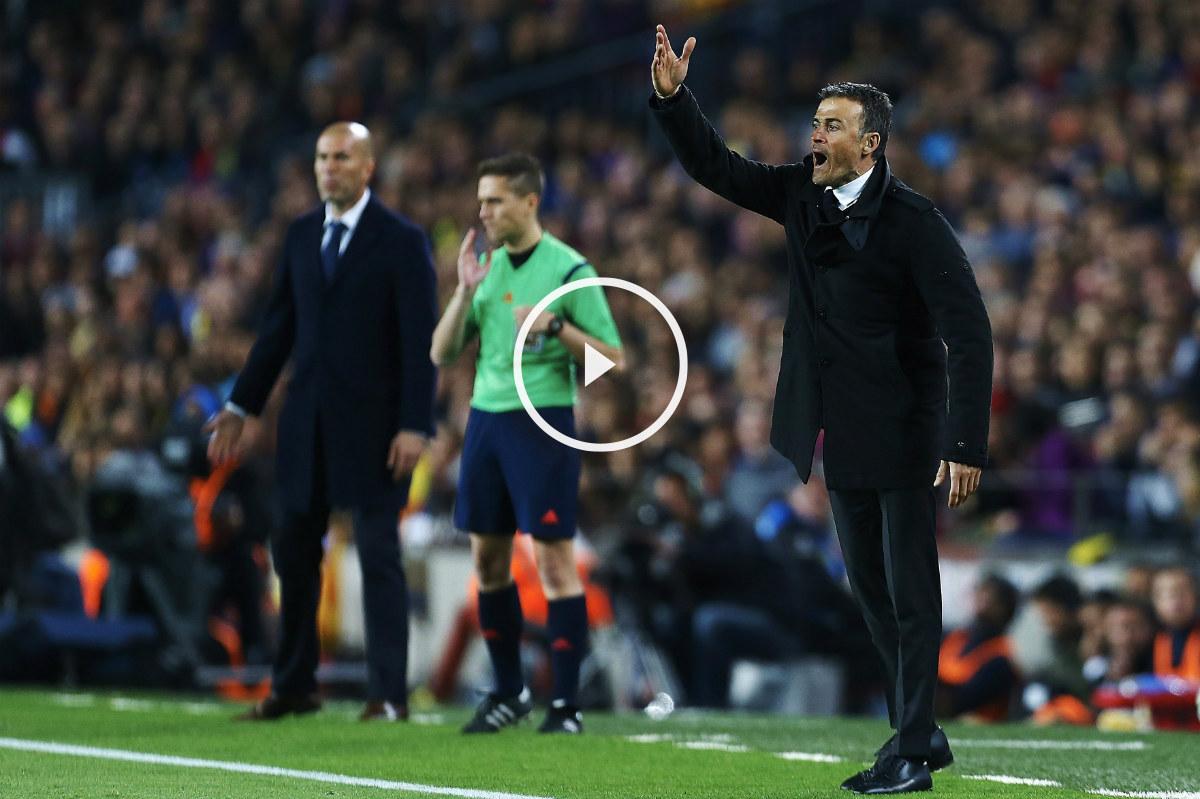 Luis Enrique protesta al árbitro una acción. (EFE)