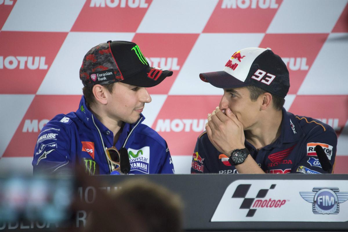 Márquez y Lorenzo estarán en desventaja contra Rossi. (Getty)