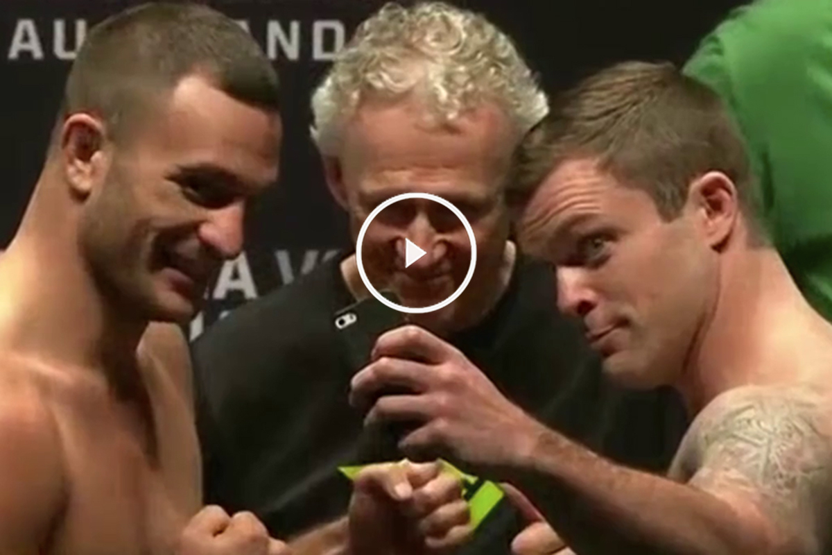 El luchador de la UFC Sean O'Connell bromeando con su contrincante