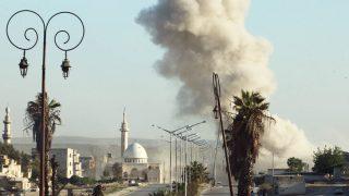 Humo tras una explosión en la ciudad siria de Alepo (Foto: Reuters)
