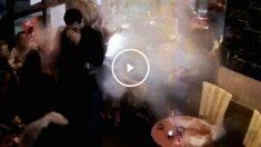 Brahim Abdeslam haciéndose estallar en el Comptoir Voltaire.