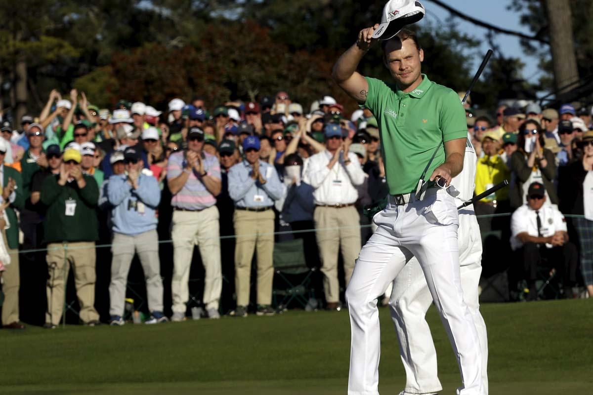 Danny Willett, ganador del Masters de Augusta, saluda al público (Foto: AFP)