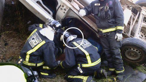 Imagen facilitada por Protección Civil del accidente en la RM-11. (Foto: EFE)