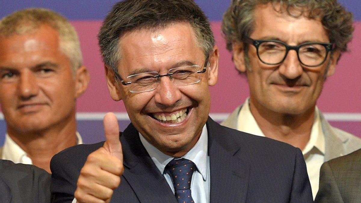 Bartomeu, feliz, tras ganar las elecciones. (AFP)