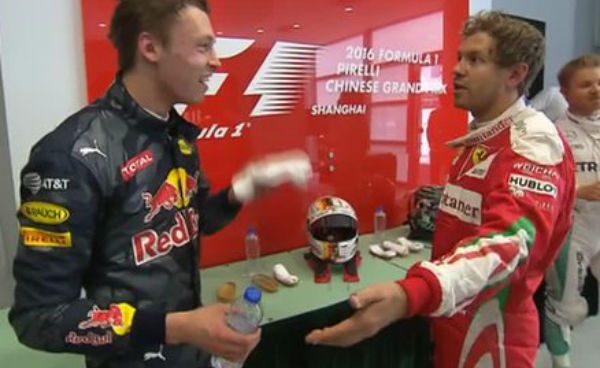 Tremenda bronca de Vettel a Kvyat: «¡Estás loco, entraste como un torpedo!»