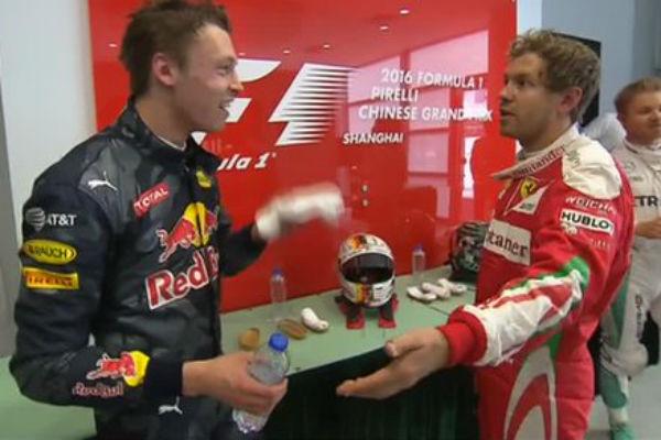 Vettel abroncó a Kvyat tras la carrera.