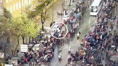 El autobús del Real Madrid, a su llegada al Bernabéu.