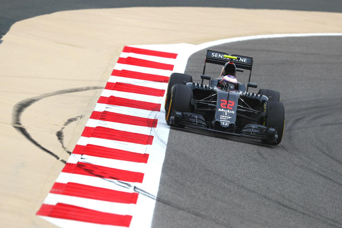 Button, a los mandos del McLaren-Honda en Bahrain. (Getty)
