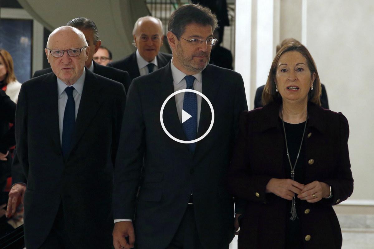 El ministro de Justicia, Rafael Catalá, y la ministra de Fomento, Ana Pastor. (Foto:EFE)