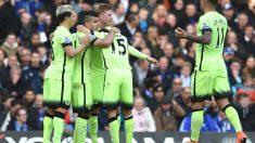 Los jugadores del City celebran el gol de Agüero. (Reuters)