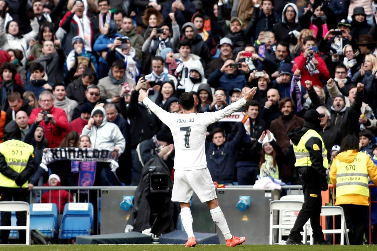 Cristiano celebra un gol en el Bernabéu. (Getty)