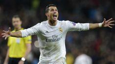 Cristiano Ronaldo celebra su hat-trick ante el Wolfsburgo. (AFP)