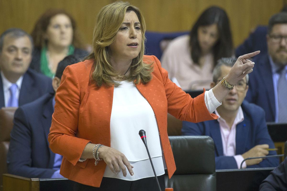 La presidenta de la Junta de Andalucía, Susana Díaz, en una de sus intervenciones durante una sesión de control al Ejecutivo en el Parlamento de Andalucía en Sevilla (Foto: Efe)