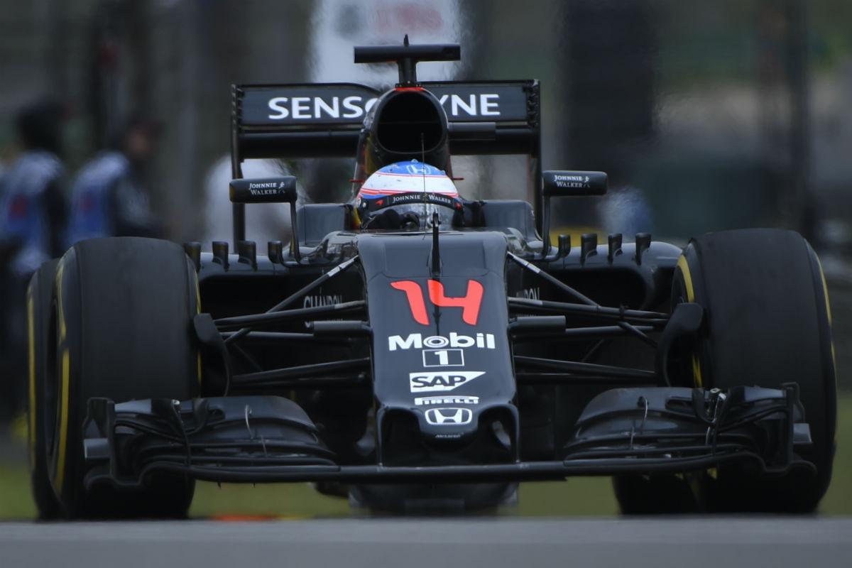 Fernando Alonso, en el GP de China. (AFP)