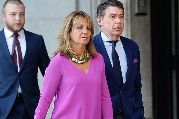Ignacio González y Lourdes Cavero (Foto: Getty)