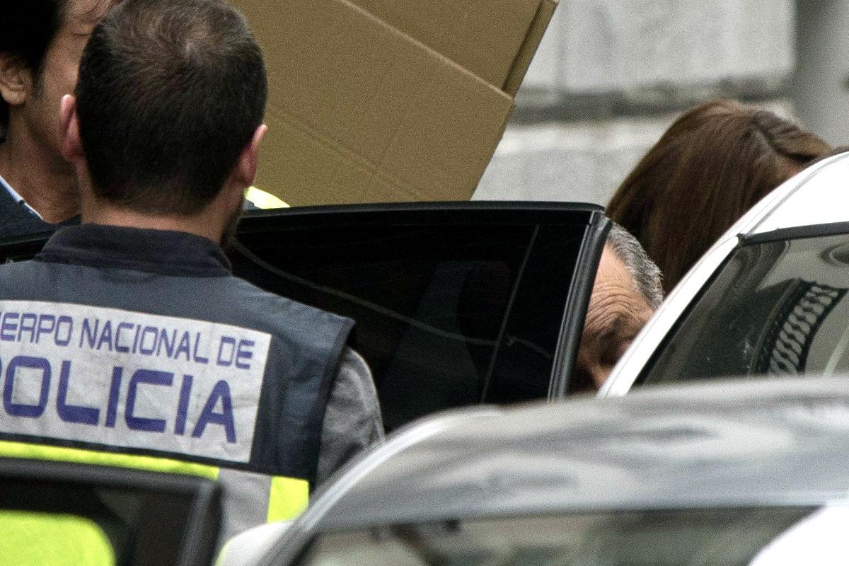 El alcalde de Granada en el momento de su detención (FOTO:EFE)