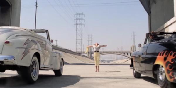 Famosa imagen del musical Grease rodada a los pies del puente de la calle sexta.