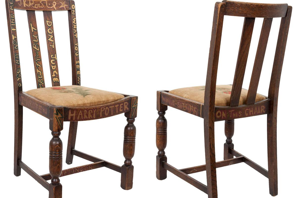 J.K. Rowling reconoce que se trata de una simple y barata silla de madera. (Foto: Heritage Auctions)