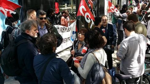 Protesta de trabajadores de HP (Foto: CGT INFORMÁTICA).