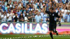 Iker Casillas, en su presentación con el Oporto. (AFP)