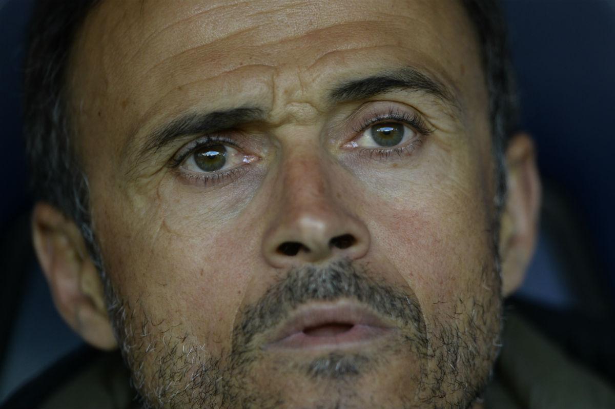 Luis Enrique, en el banquillo contra el Deportivo. (AFP)