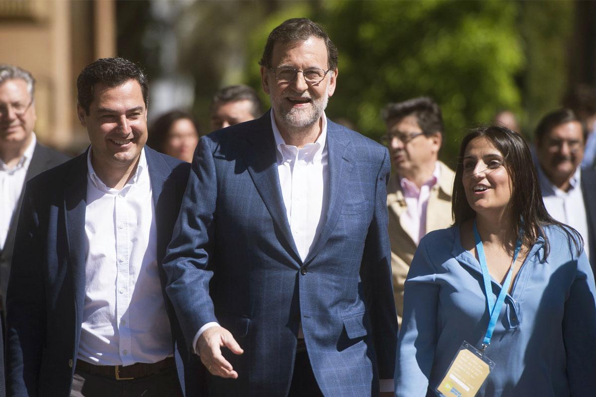 Mariano Rajoy en Córdoba junto a los populares andaluces. (Foto: EFE)
