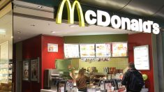 Un restaurante McDonald's.