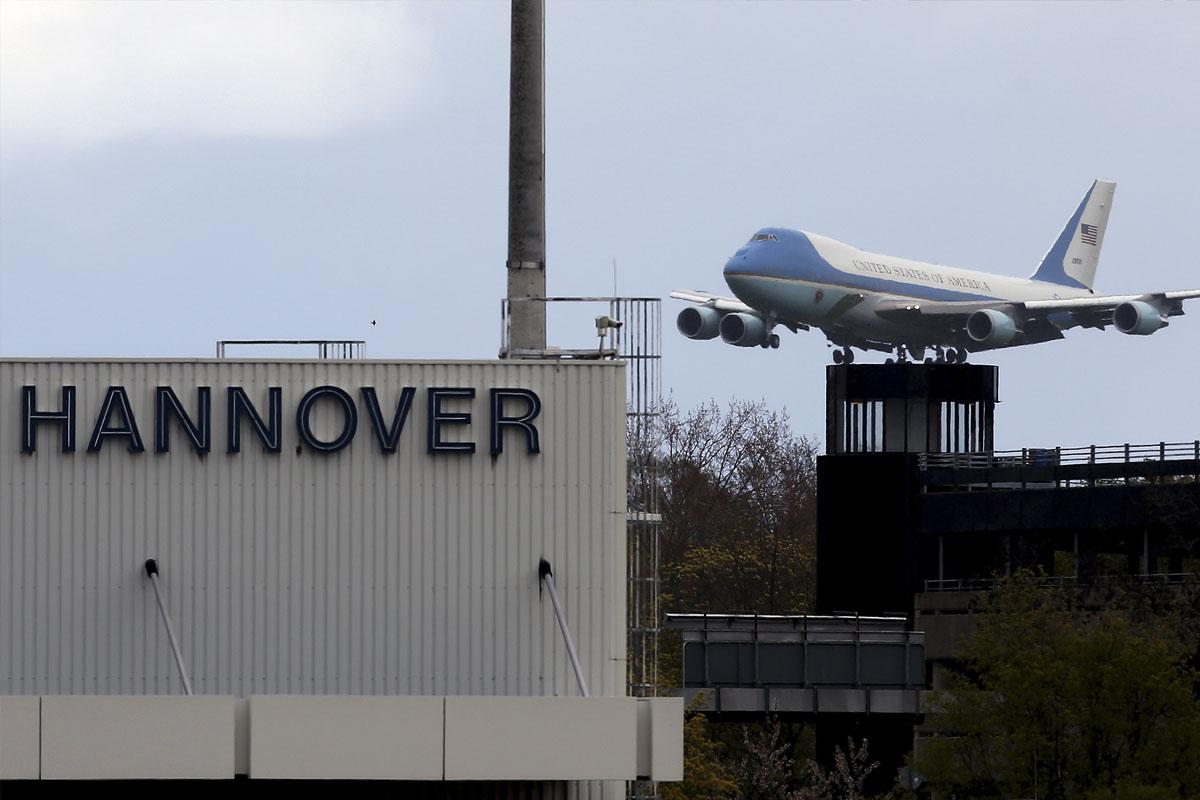 Barack Obama a su llegada a Hannover. (Foto: AFP)